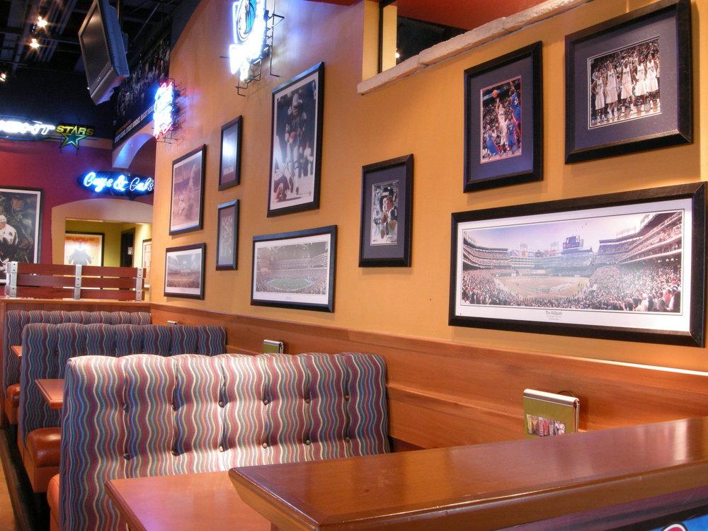 bostons gourmet pizza dining room slideshow